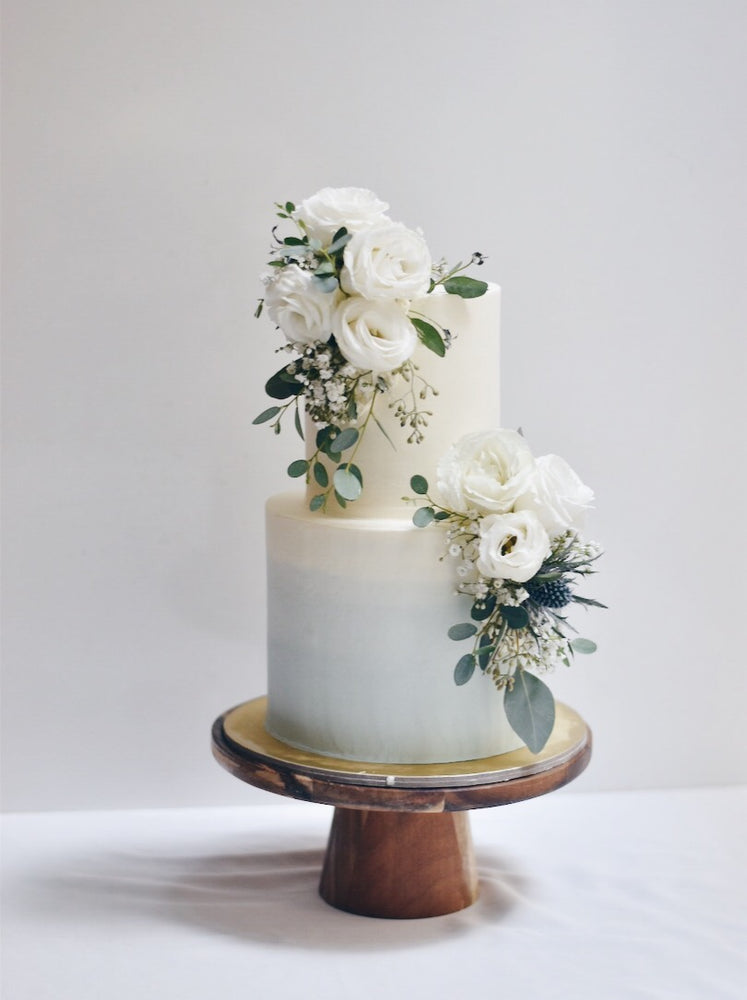 Dusty blue ombre floral cake