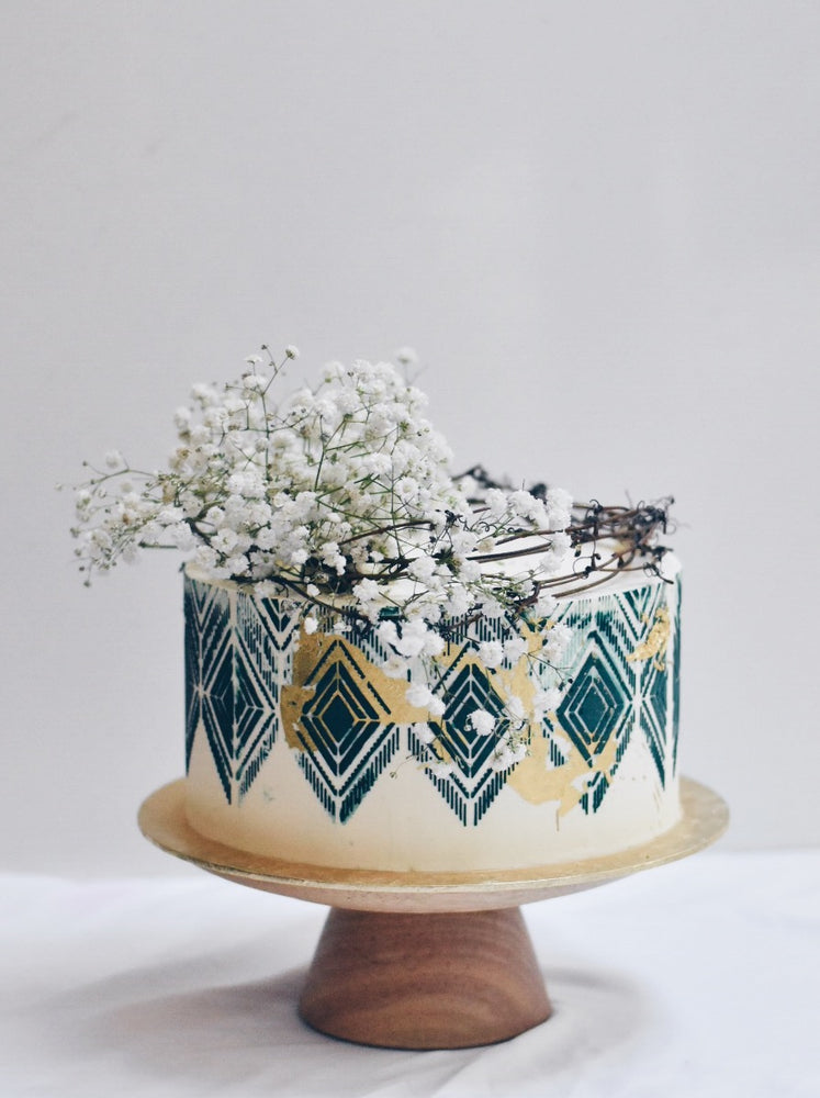 Customised Online Ethereal Babybreath cake - Zee & Elle