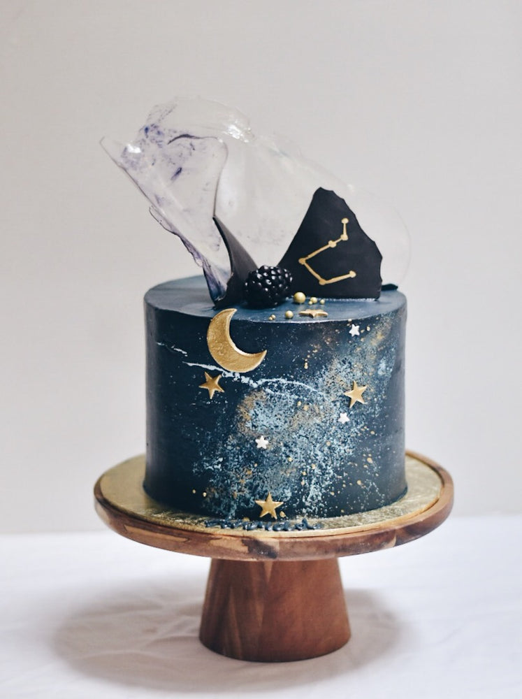 Customised Milky way galaxy Birthday cake | Zee & Elle