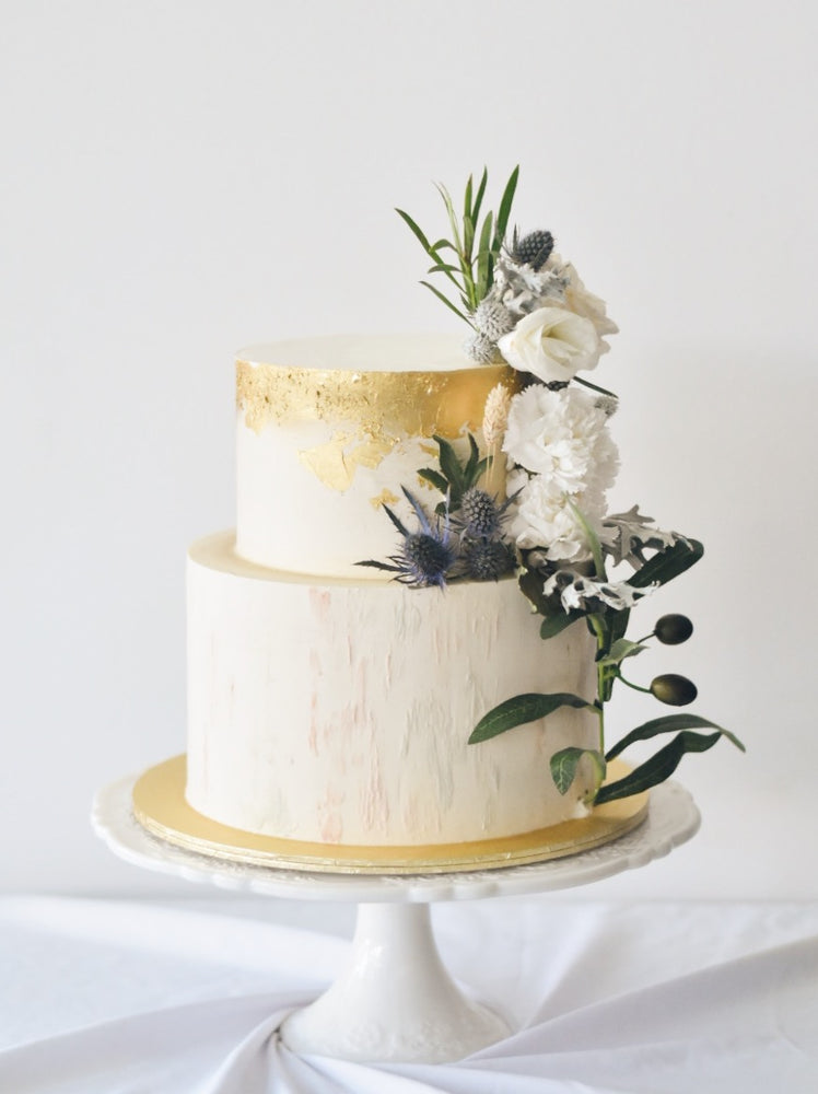 Online Minimalistic Abstract White and Gold Cake |  Cakes. Sweets. Dessert Bars- Zee & Elle
