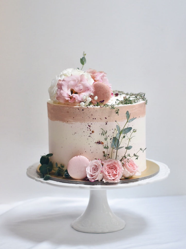 Shades Of Pink Floral Cake Zee Amp Elle Cakes Sweets