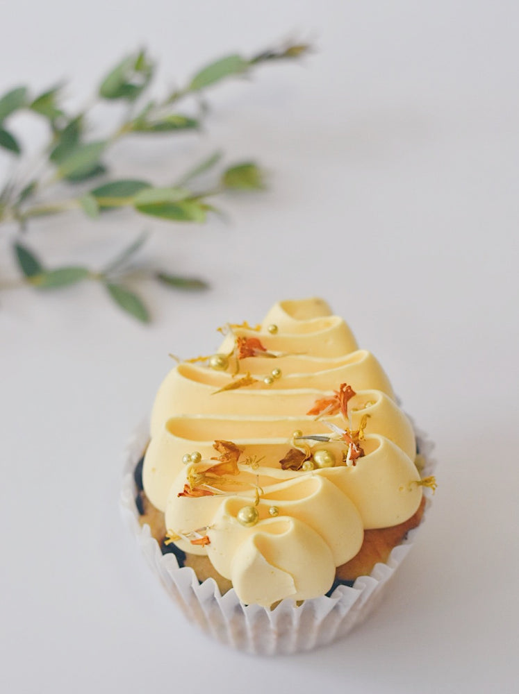 Sunshine Yellow Cupcakes l Zee & Elle