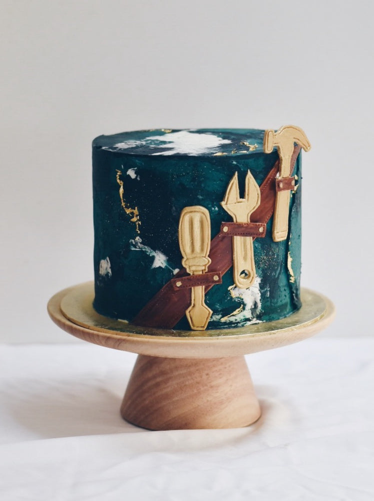 Marbled green cake with tool box fondant -zeeandelle
