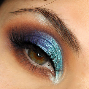 AIM Sparkle Ocean Blue makeup foto
