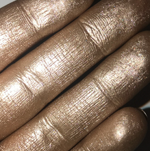 AIM Sparkle swatch nudes highlighter