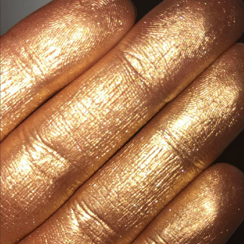 AIM Sparkle Salted Caramel highlighter swatch