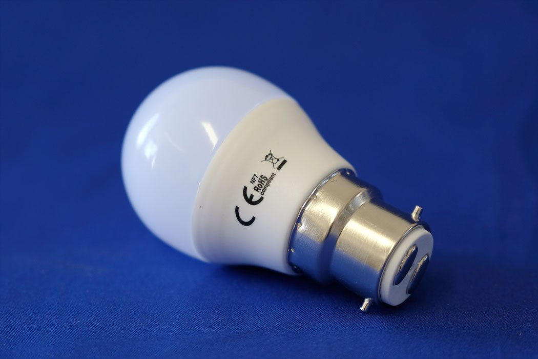 GOLF LED Light Bulb 5 Watt B22 Daylight from the Batteryworldshop.com