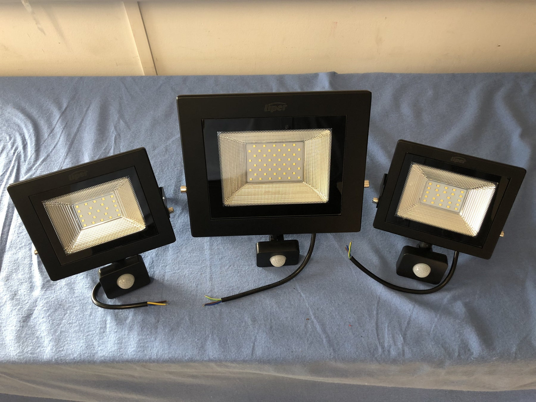 20 Watt Sensor LED Floodlight from the Batteryworldshop.com
