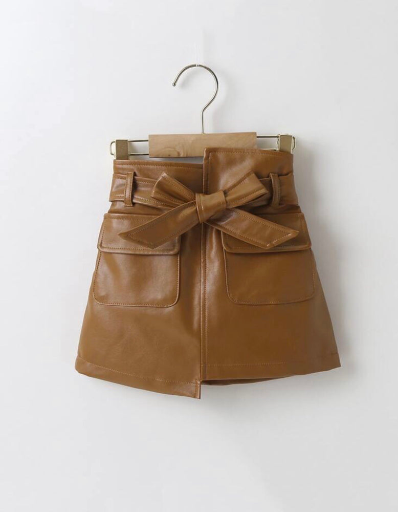 Majesty flap belted skirt