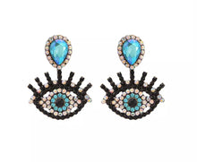 Load image into Gallery viewer, eyelash earrings