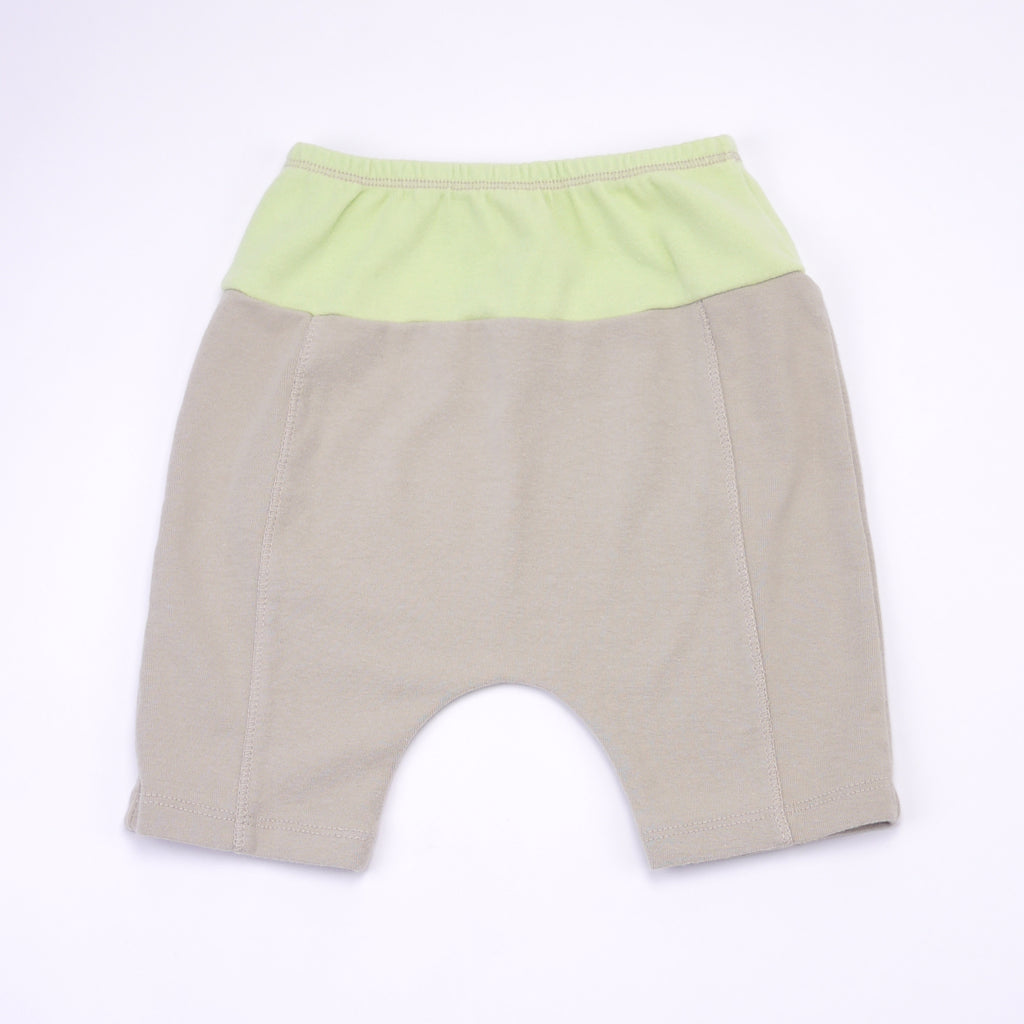 Color blocked beige & neon green cotton biker Amir shorts