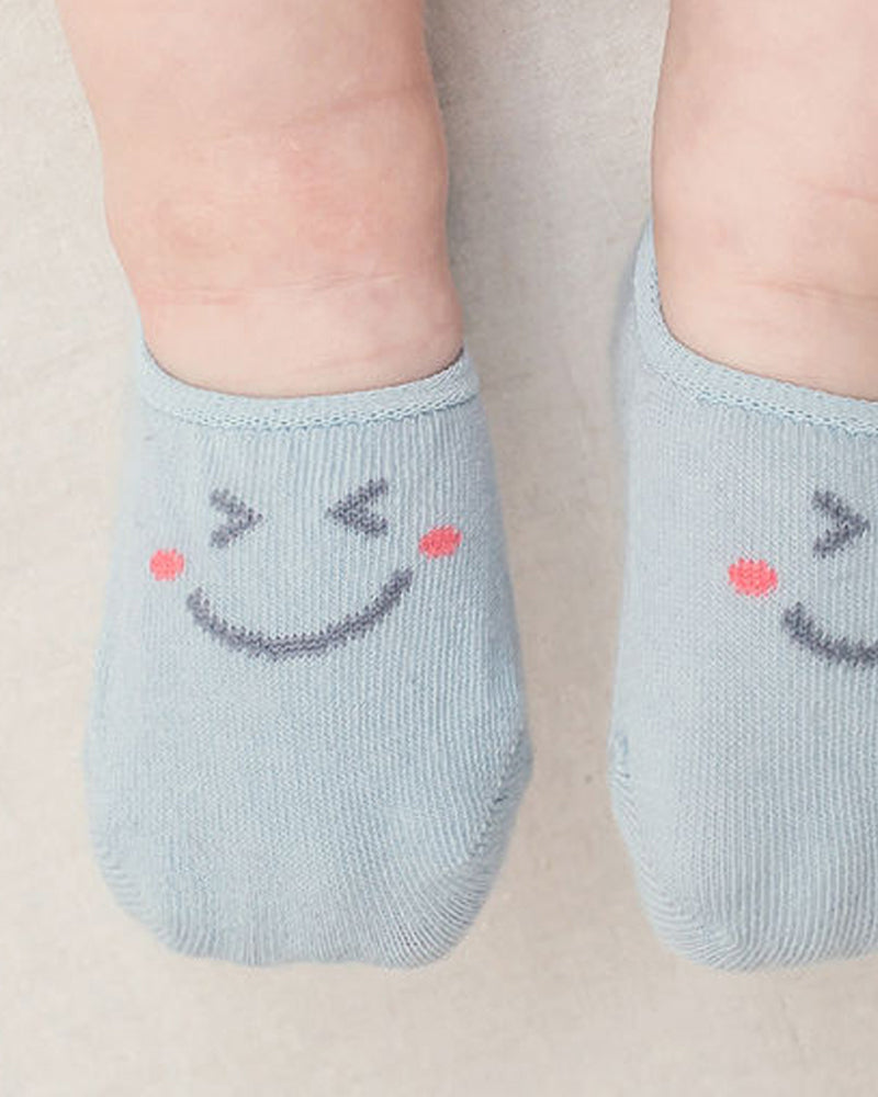 Summer ankle socks with cheeky smiley face details in blue