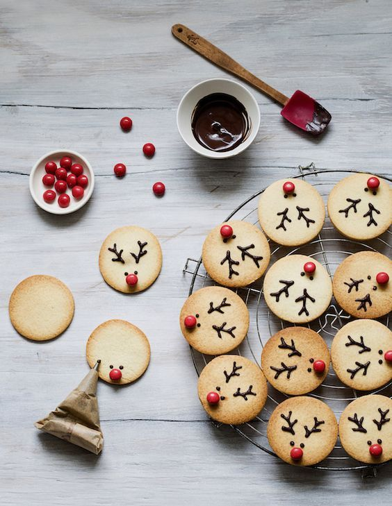 Easy Peasy Christmas Reindeer Cookies