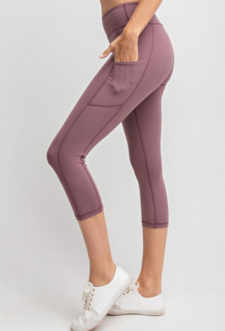 Dream Fit Capri Pants