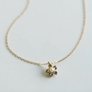 Pearl Sakura Necklace in 9K Gold June Birthstone - StarryStone