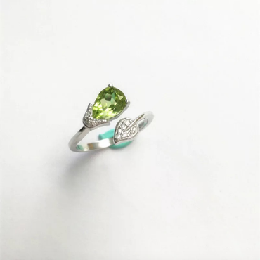 Peridot Leaf Ring in 925 Sterling Silver Platinum Plated August Birthstone - StarryStone