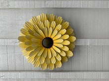 Load image into Gallery viewer, Wall Art Flower - Single Metal