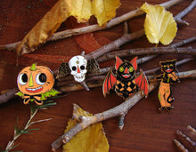 Load image into Gallery viewer, Vintage Halloween Enamel Pin Set