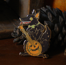 Load image into Gallery viewer, Halloween Wolf Enamel Pin