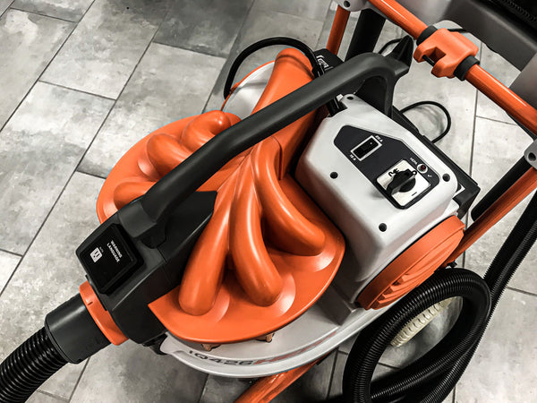 iQ426HEPA Cyclonic Dust Extractor Vacuum