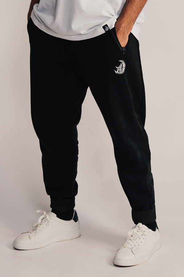 Essential Joggers - Black
