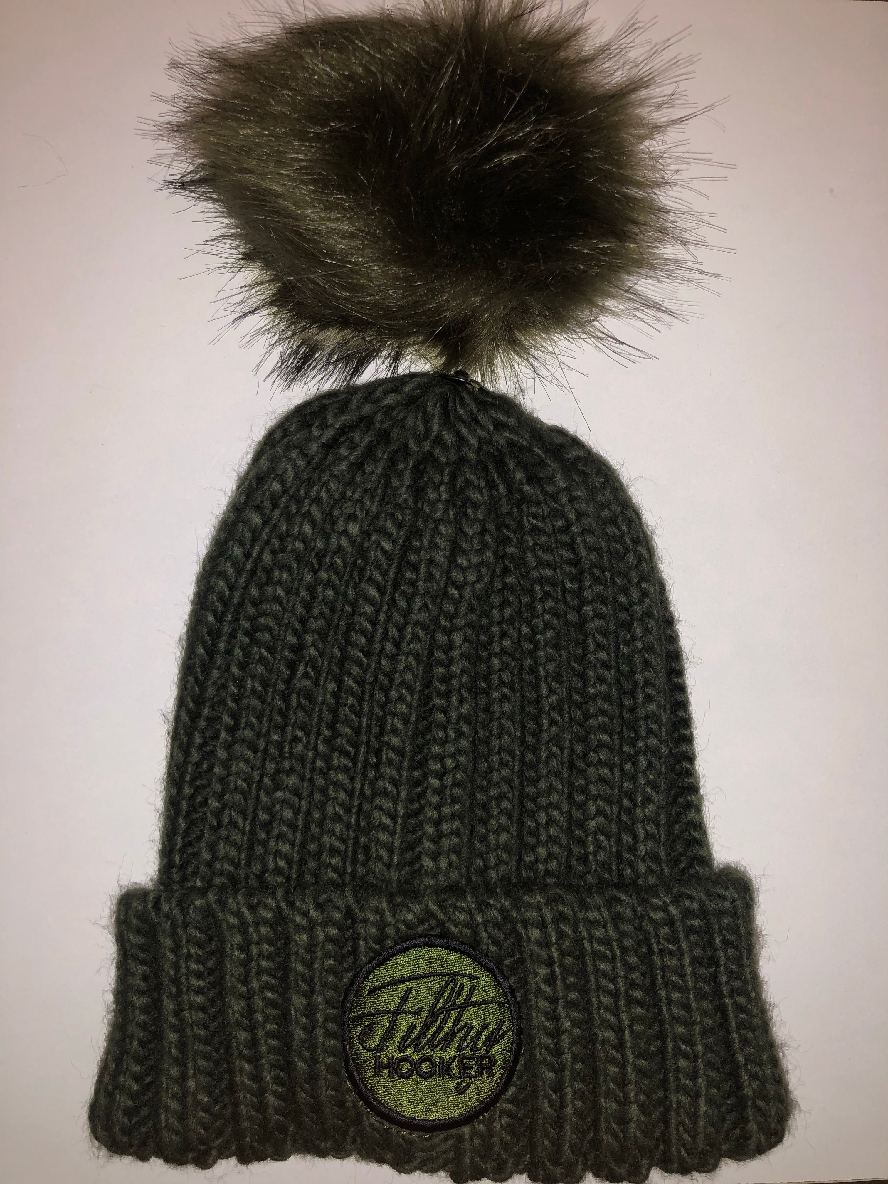 Pink & Olive ribbed beanies with detachable faux fur bobble so you can have it with or without. Easy to detach and attach. Very very warm. Perfect for those cold sessions on the bank.