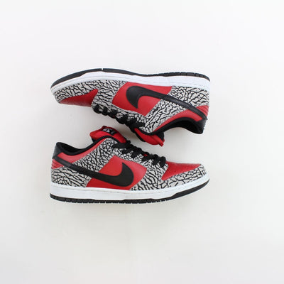 Nike SB Dunk Low Supreme Red Cement