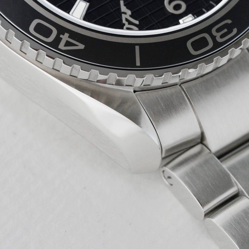 Watch - Omega Seamaster Planet Ocean Skyfall