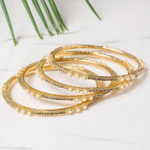 Set of 4 Look-Like Real Jewellery Pearl Bracelets by Leshya