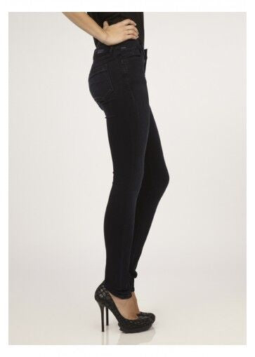 Lure Skinny Leg Jean in Position