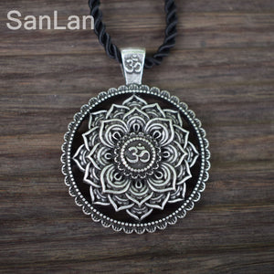 Indian Mandala Flower Necklace