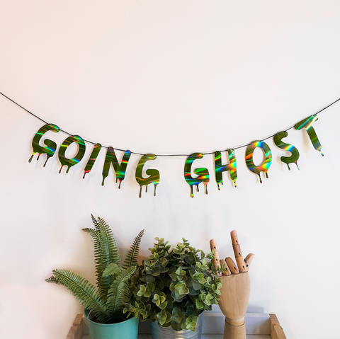 Going Ghost: Green Holographic String Bunting