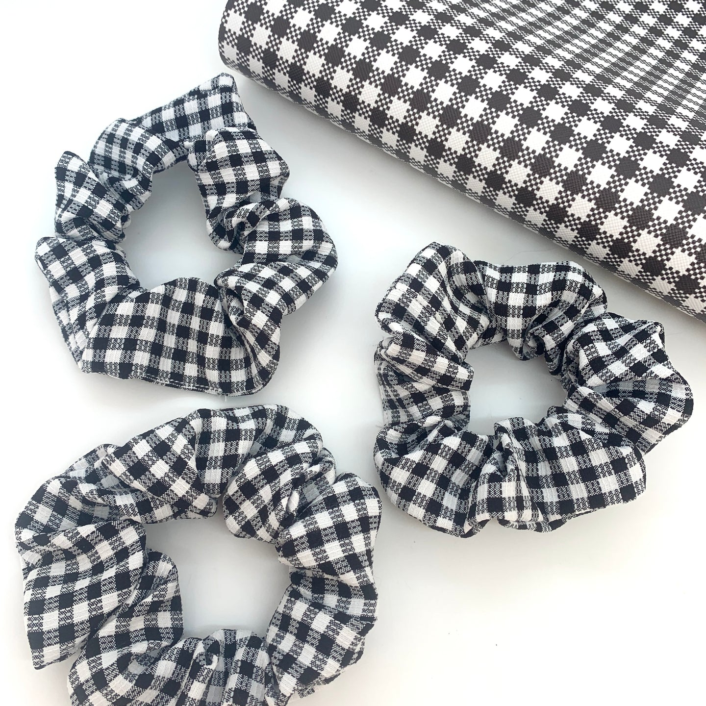 Scrunchie - Gingham Black