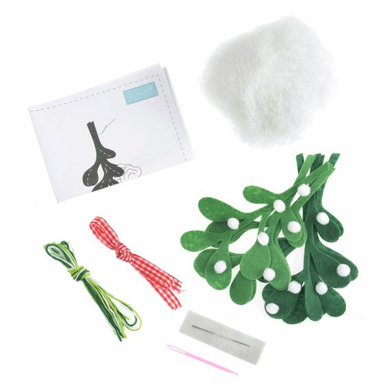 Trimits Make Your Own Felt Mistletoe Sewing Kit