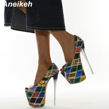 Load image into Gallery viewer, African print high heels