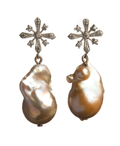Pearl Earrings Dessa - Ava Cadiz