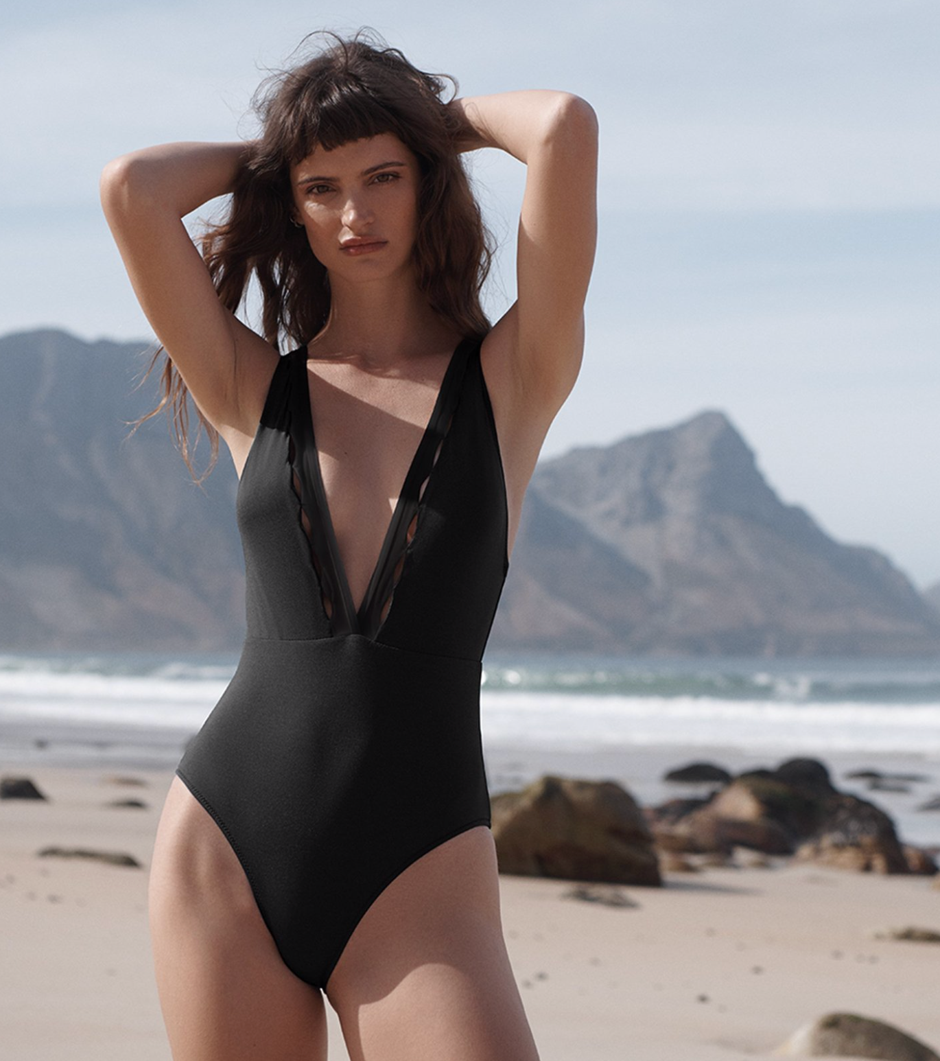 Evarae Itea One Piece in Black