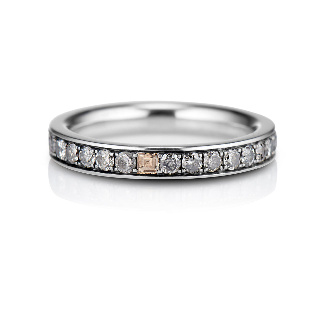 Hudson Pavé Band in 18K Gray Gold - David Alan
