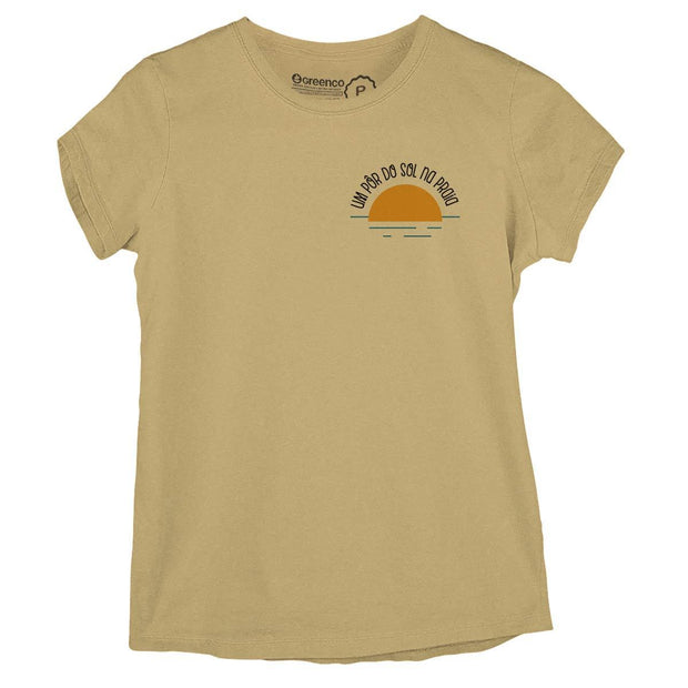 Sustainable Cotton Women's T-Shirt - Um pôr do sol na praia