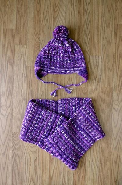 Ski Cap and Cowl Pattern Universal Yarn