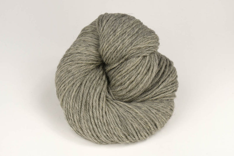 Deluxe Worsted - NEW Yarn Universal Yarn 12502 Smoke Heather