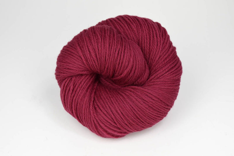 Deluxe Worsted - NEW Yarn Universal Yarn 14006 Raspberry