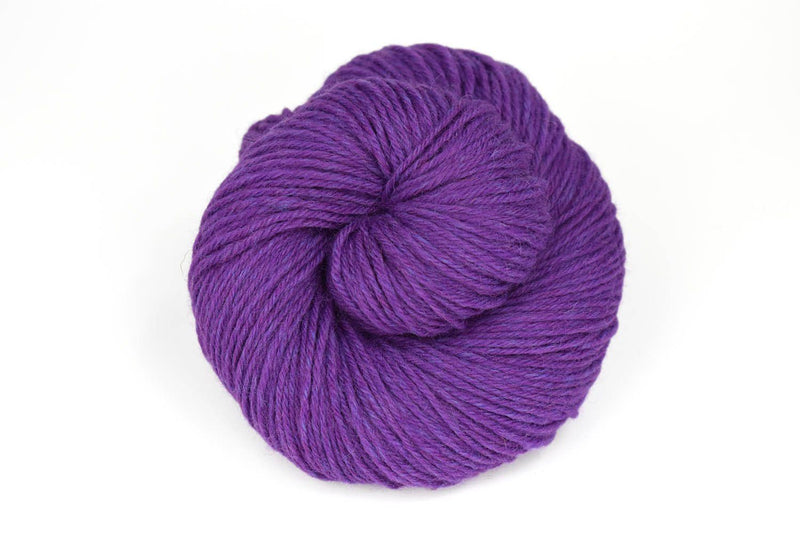 Deluxe Worsted - NEW Yarn Universal Yarn 15002 Violet Rustic