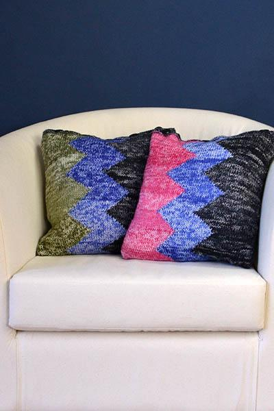 ZigZag Pillows Pattern Universal Yarn