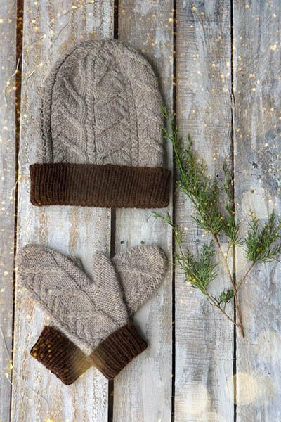 Nutmeg Hat and Mitten Set Pattern Universal Yarn