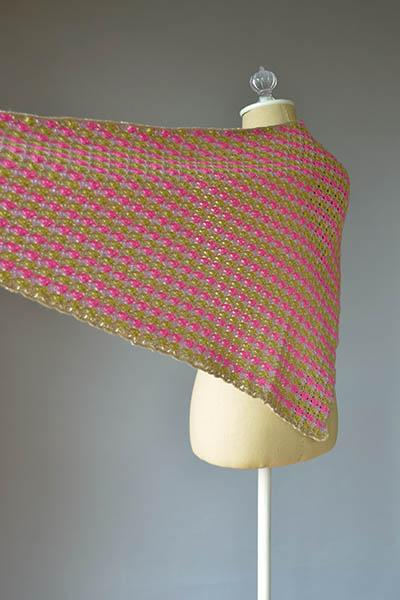 Pipping Shawl Pattern Universal Yarn