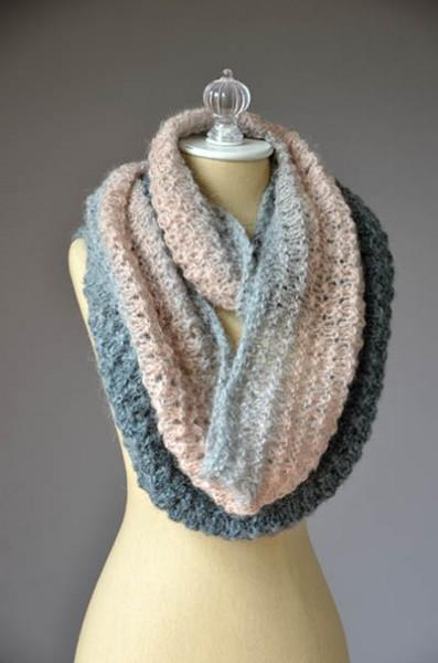 Mother of Pearl Cowl Pattern Universal Yarn