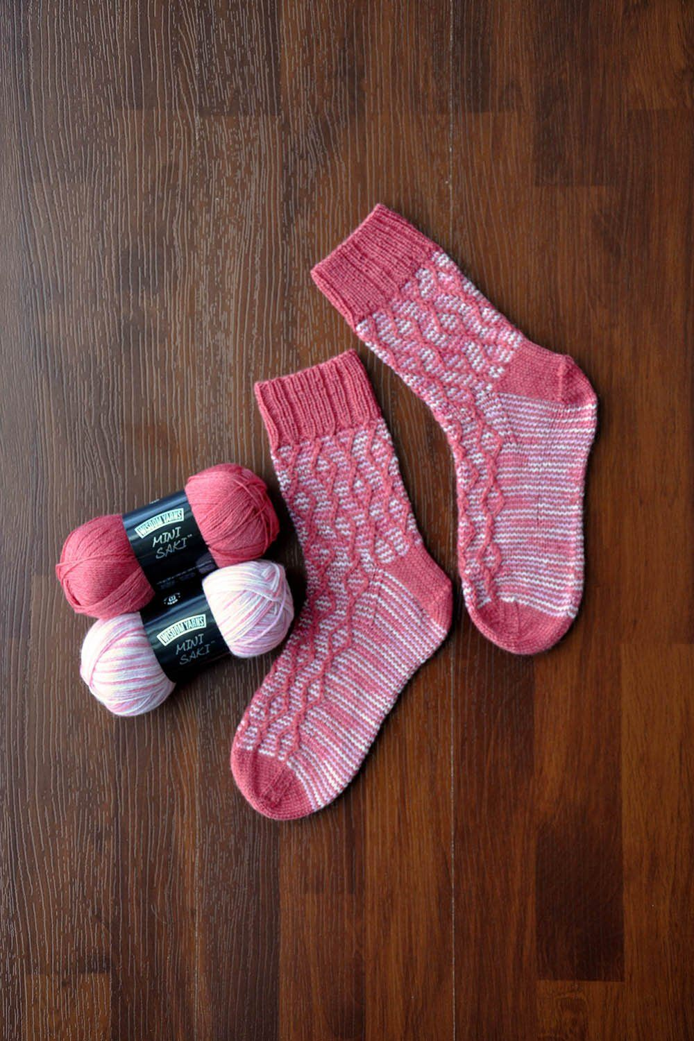 red and white slip stitch cable stripe socks knit in Mini Saki