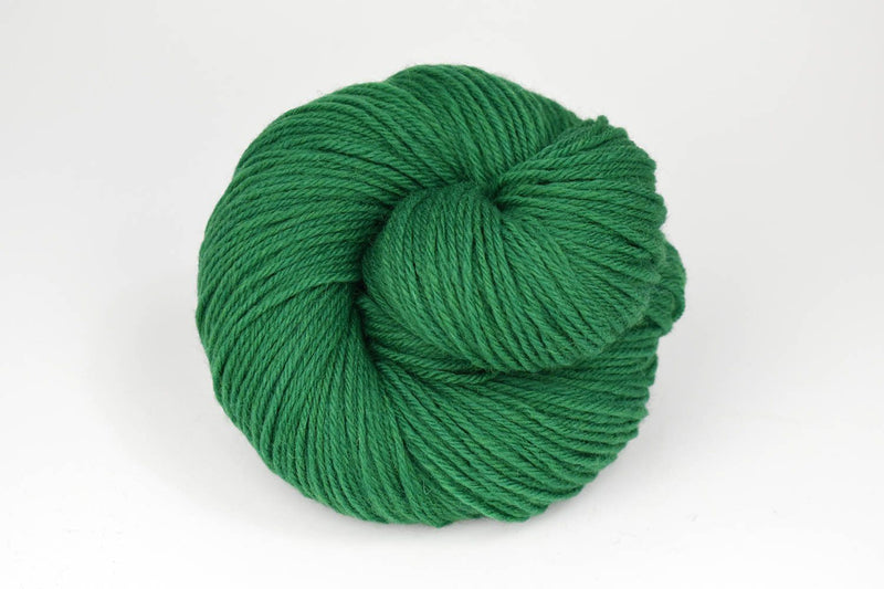 Deluxe Worsted - NEW Yarn Universal Yarn 3692 Christmas Green