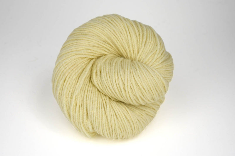 Deluxe Worsted - NEW Yarn Universal Yarn 40001 Cream - UNDYED